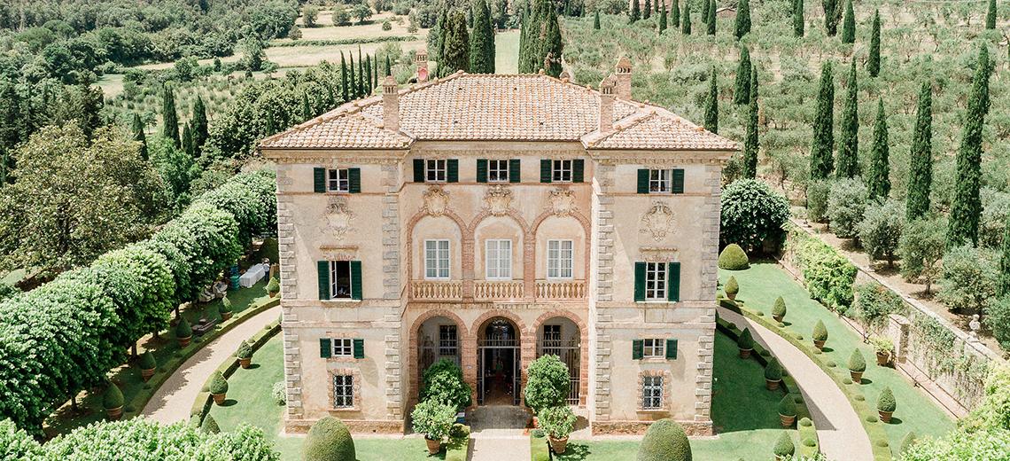 Villa wedding in Tuscany