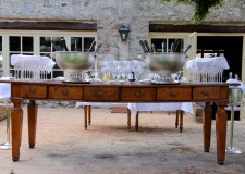 Aperitif in the gardens of Borgo San Felice in Tuscany