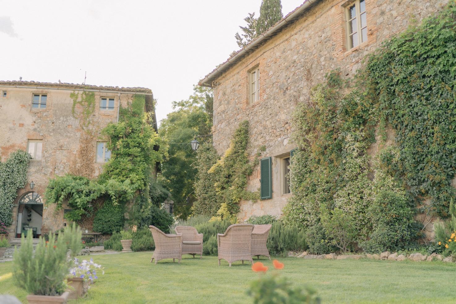 Exterior of Borgo Stomennano