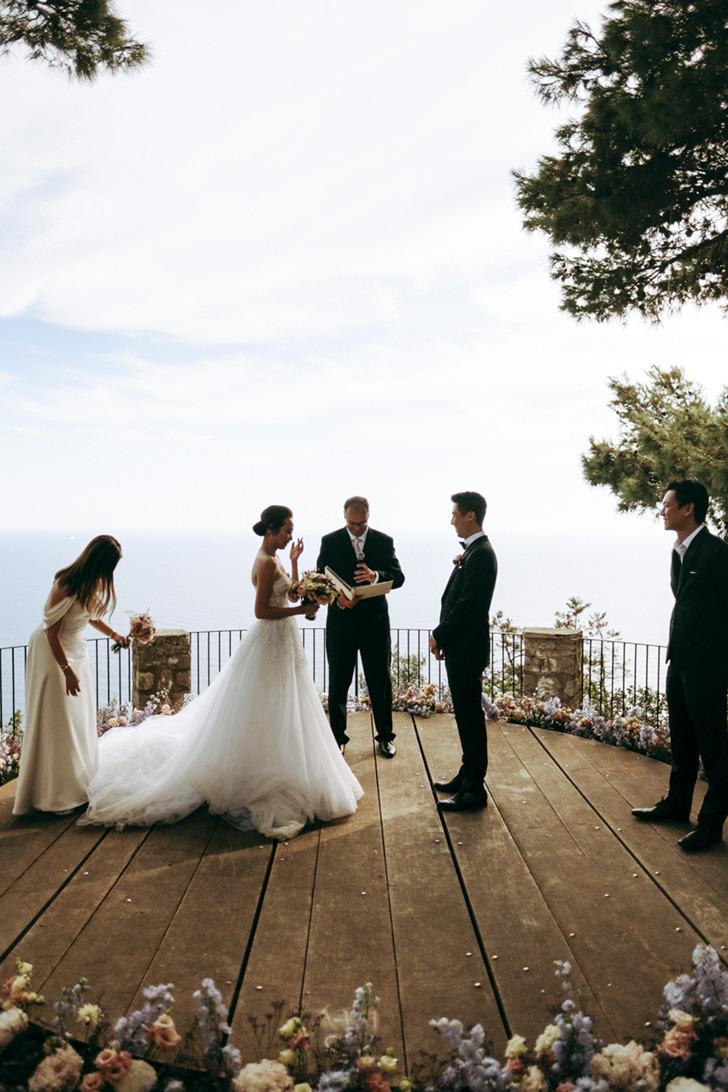 Wedding ceremony in Capri by the sea