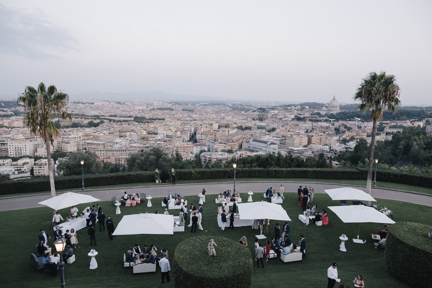 Wedding cocktail in the gardens of Villa Miani