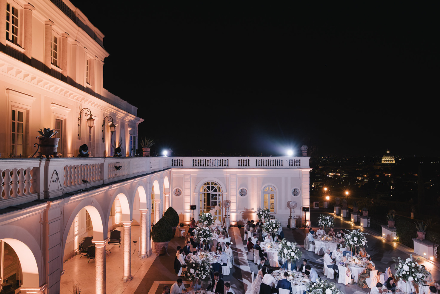 Wedding banquet with view over Rome