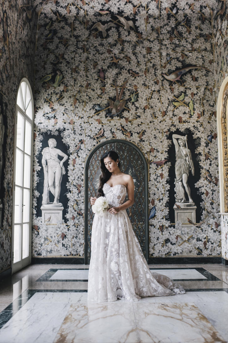 Bride in the frescoed hall
