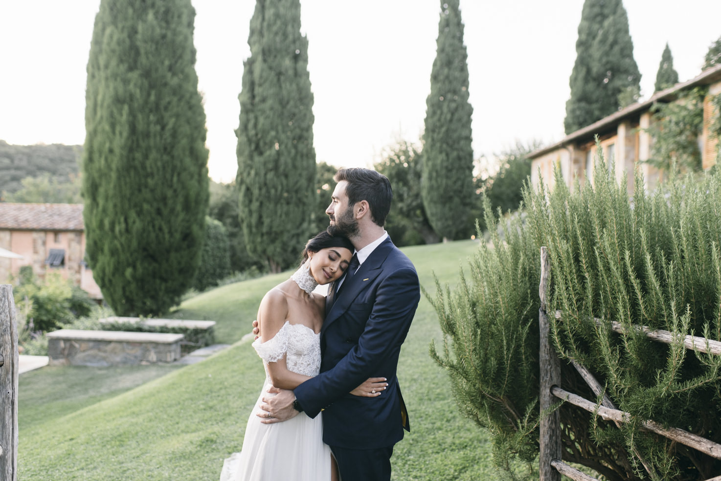 Destination wedding in the countryside of Tuscany