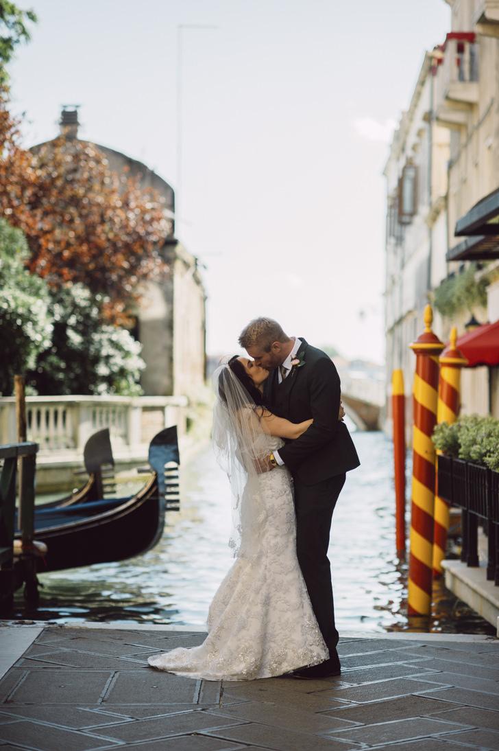 A kiss in Venice