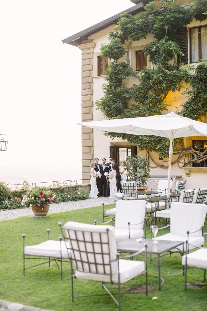 Wedding cocktail in the gardens of Villa San Michele