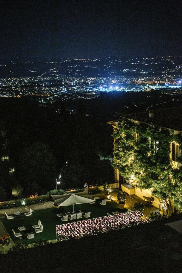 Outdoor wedding banquet at Villa San Michele