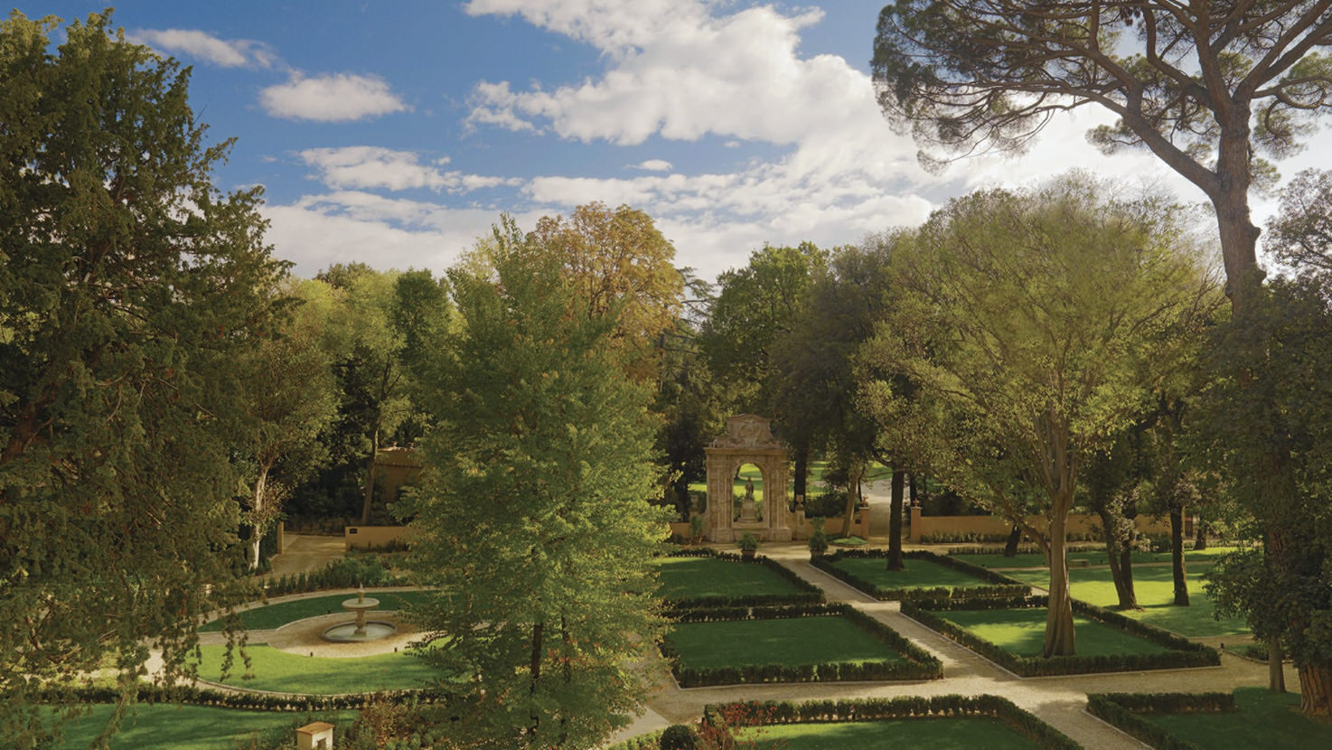 Gardens of Four Seasons Hotel in Florence