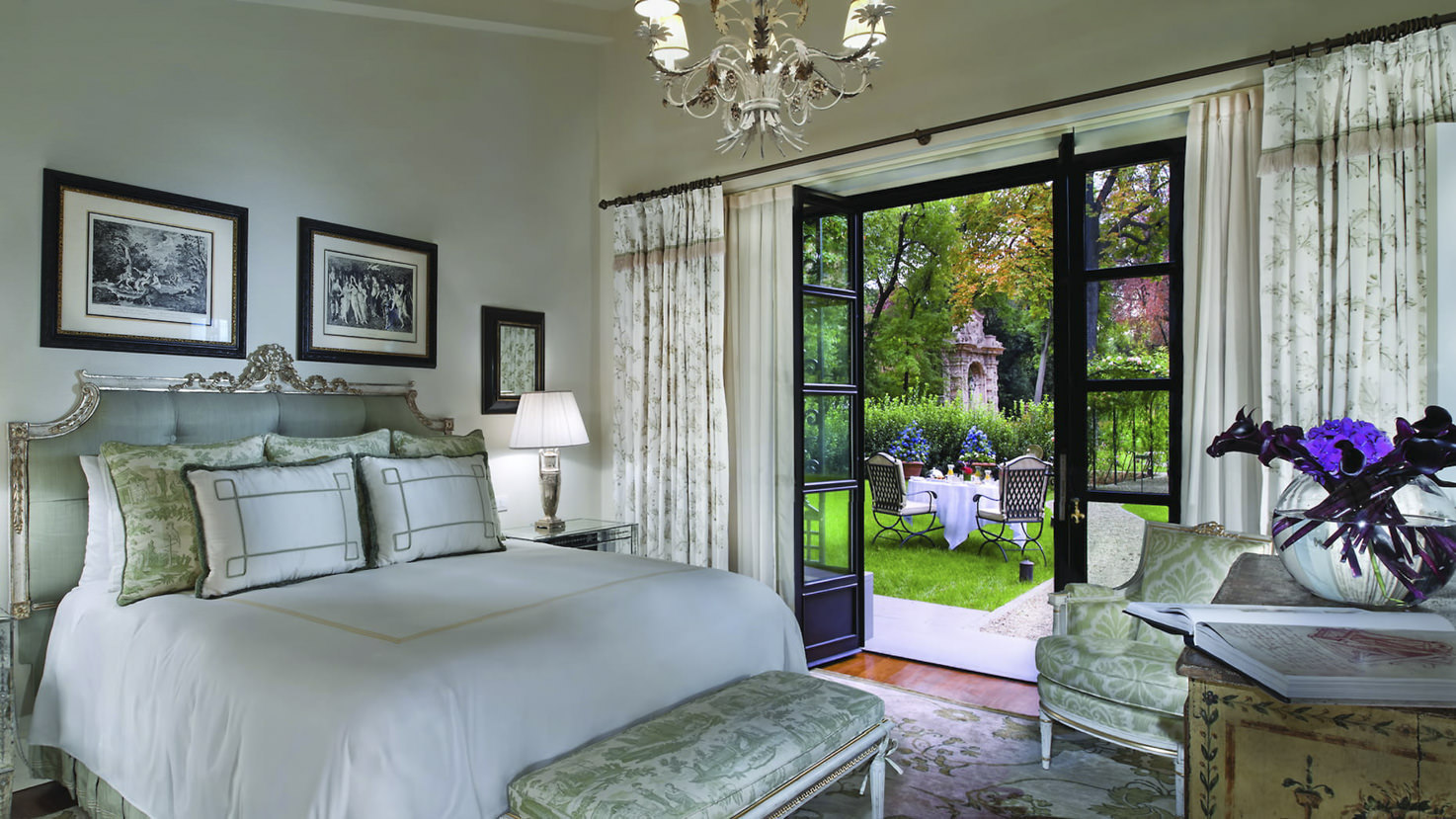 Garden suite of Four Seasons Hotel