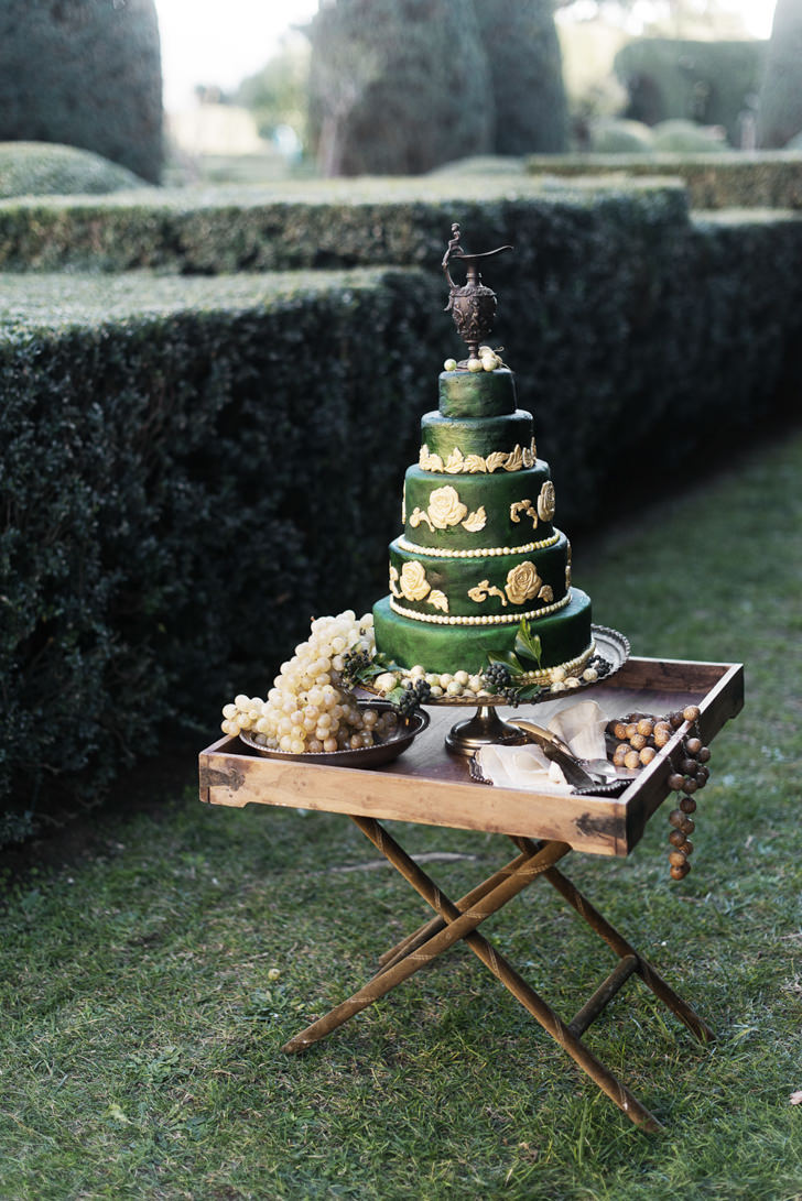 Wedding cake in Renaissance style