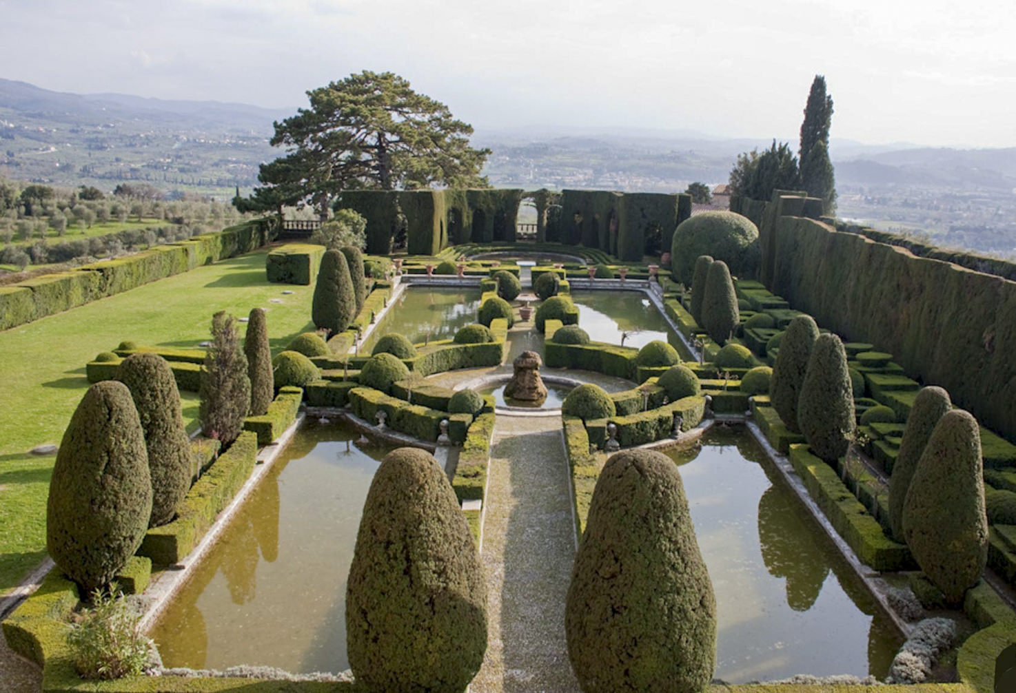 Italian gardens of Villa Gamberaia