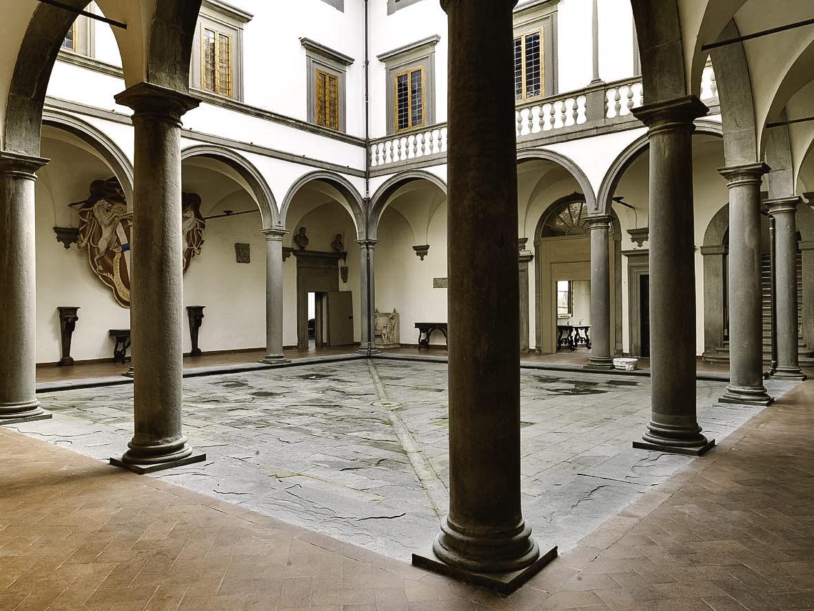 Internal courtyard of Villa Le Corti