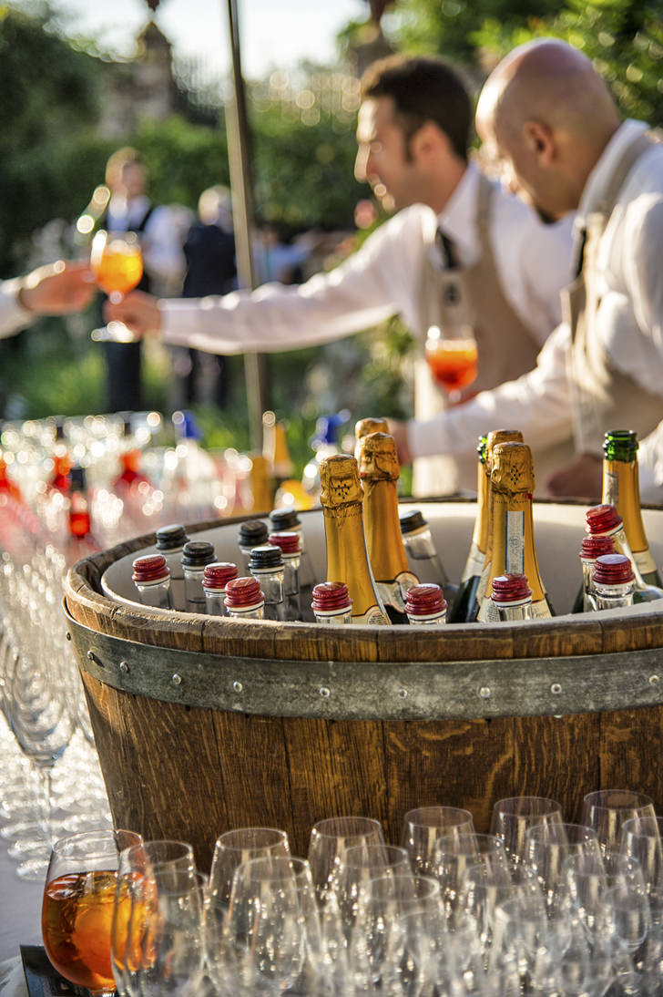 Wedding cocktail in the gardens