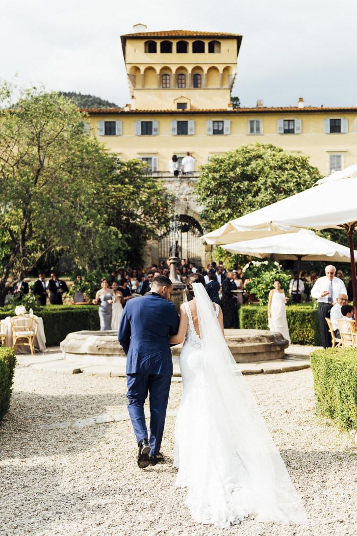 Arrival of the bridal couple at Villa di Maiano