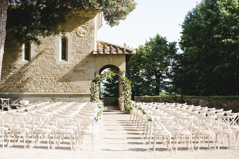 Garden wedding ceremony at Villa Le Fontanelle