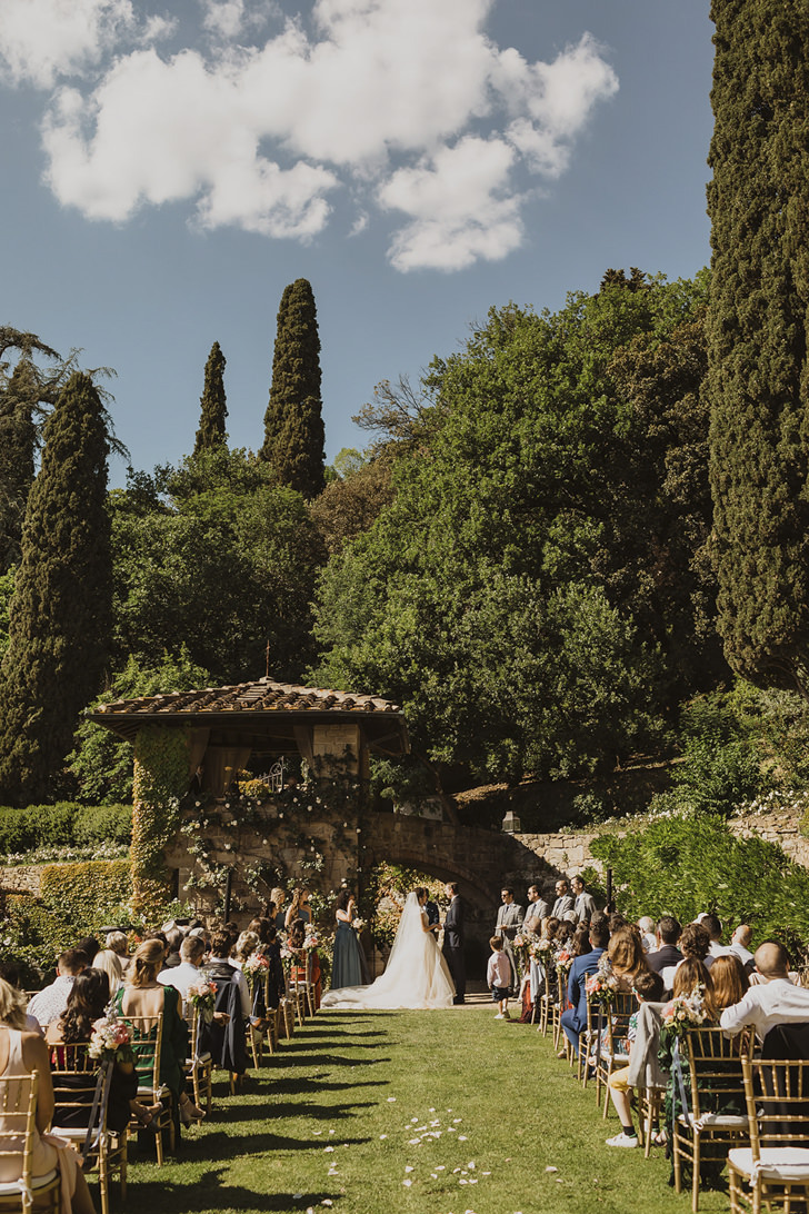 Wedding ceremony in the gardens of Villa Le Fontanelle