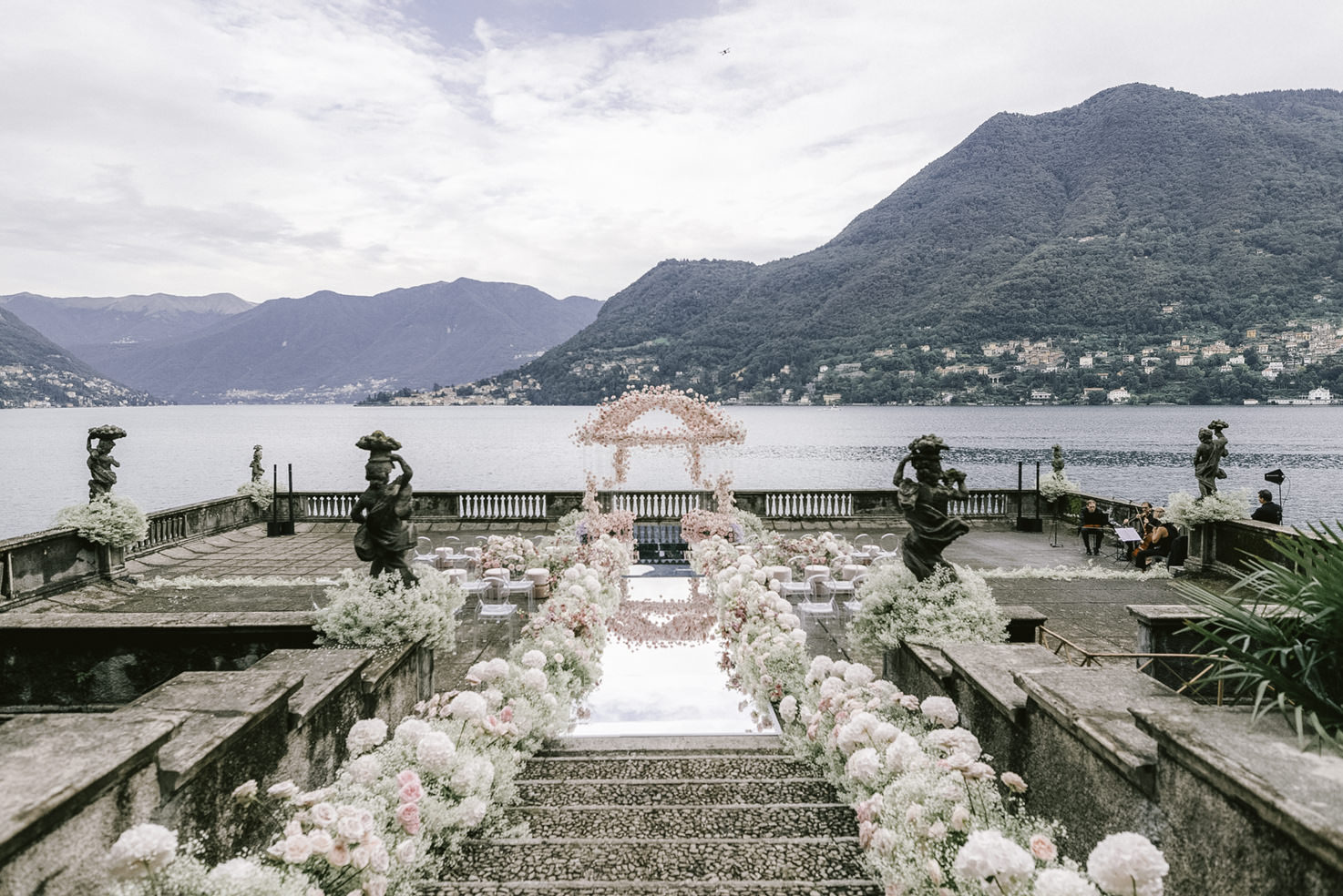 Wedding ceremony on Lake Como