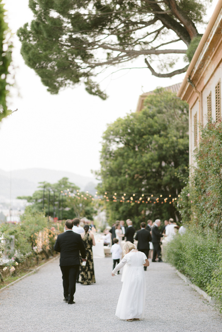 Guests walking to the reception