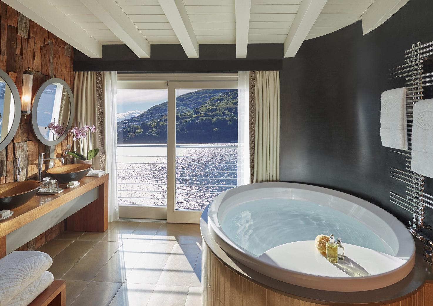 Bathroom at Mandarin Oriental