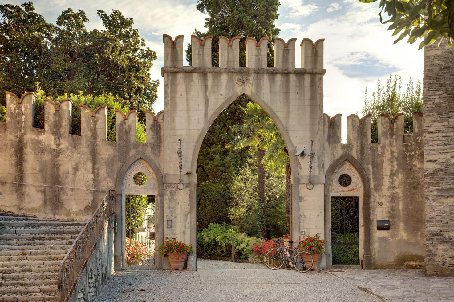 Upper gate entrance