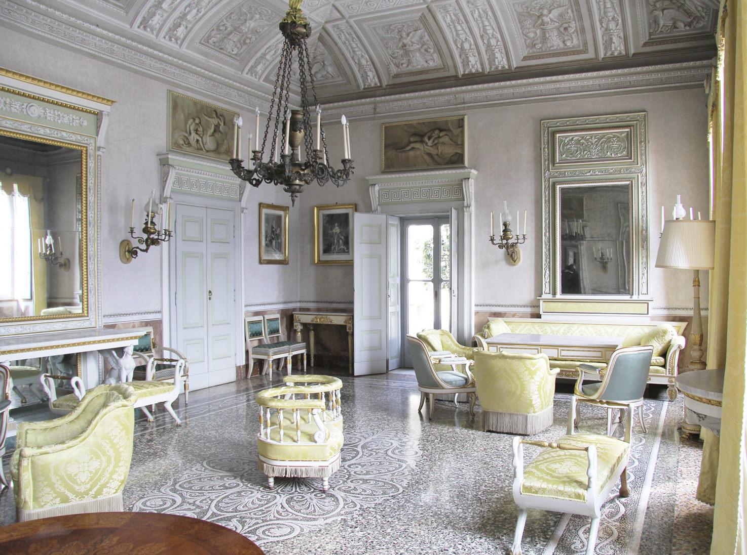 Frescoed hall at Villa Pizzo