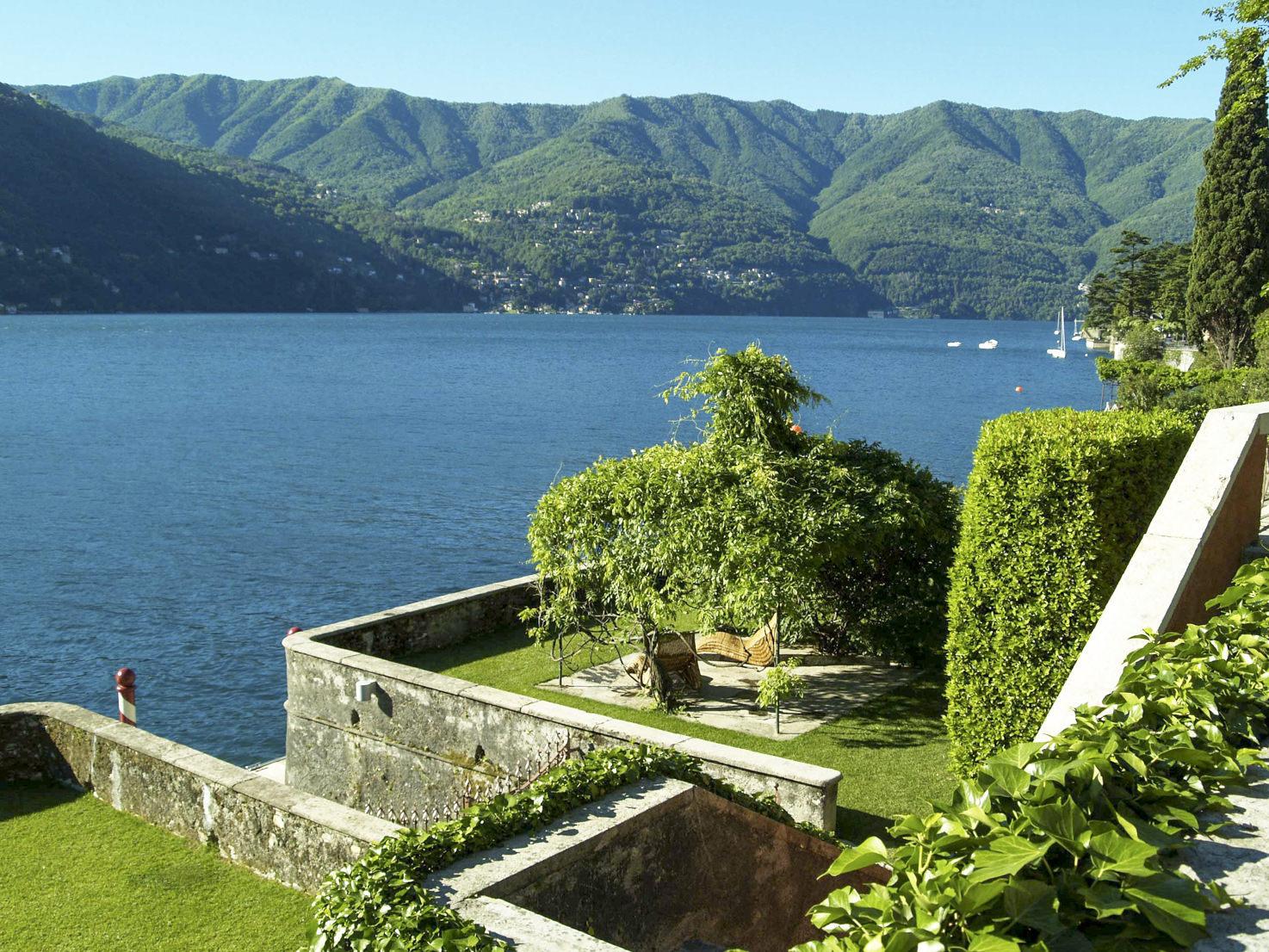 Gardens with view over Lake Como