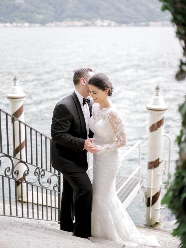 Bridal couple in Lake Como