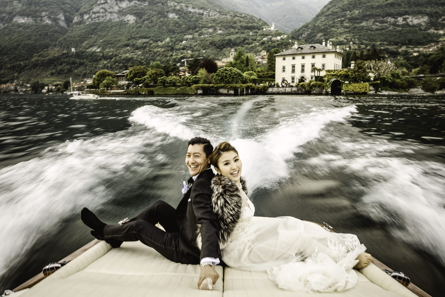 Boat tour for bride and groom on Lake Como