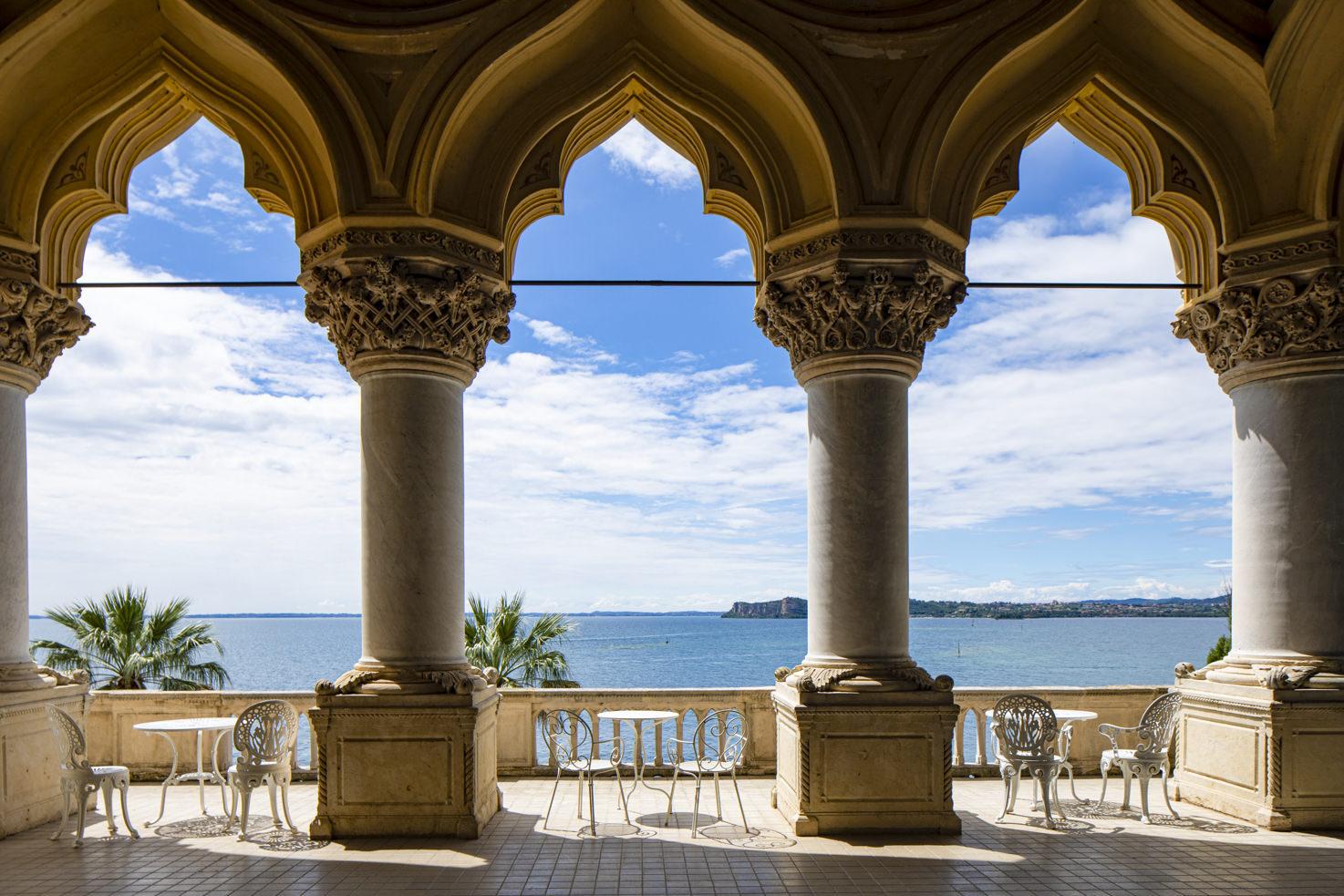 Loggia with lake view at Isola del Garda