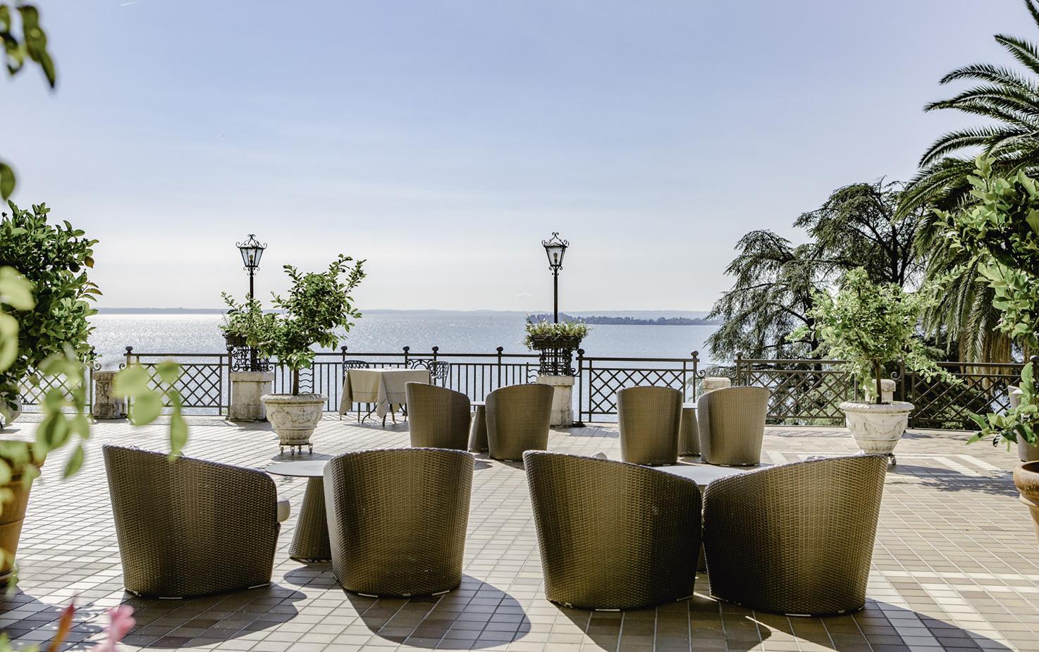 Terrace with lake view of Villa del Sogno