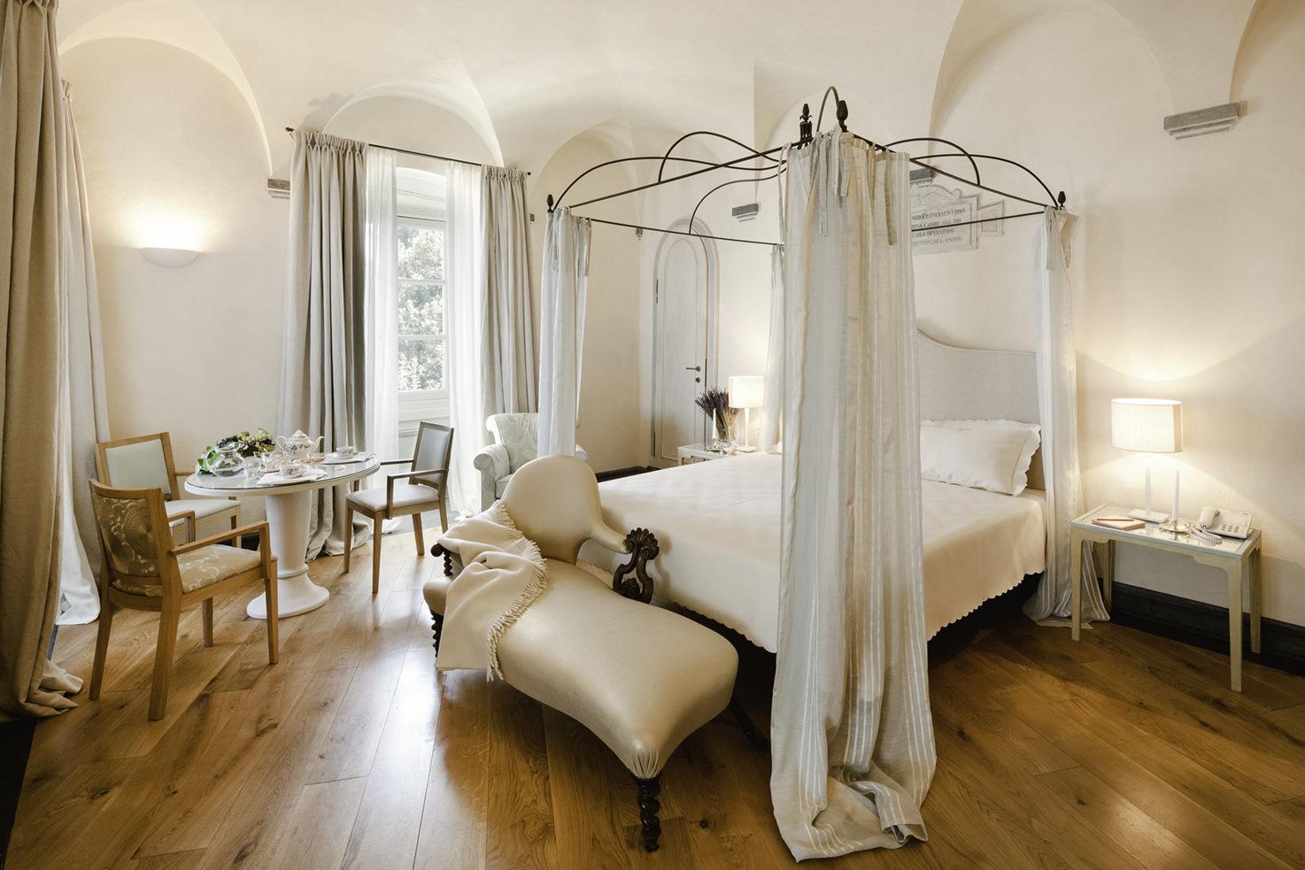Room interior, La Cervara
