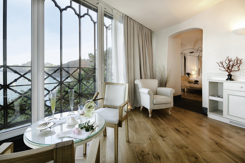 Room with sea view at La Cervara
