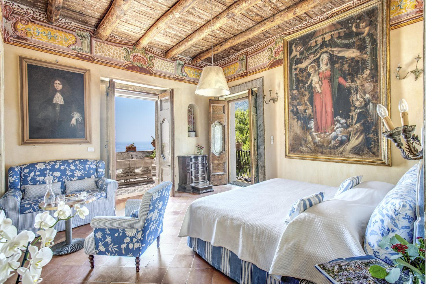 Deluxe room in Positano private villa