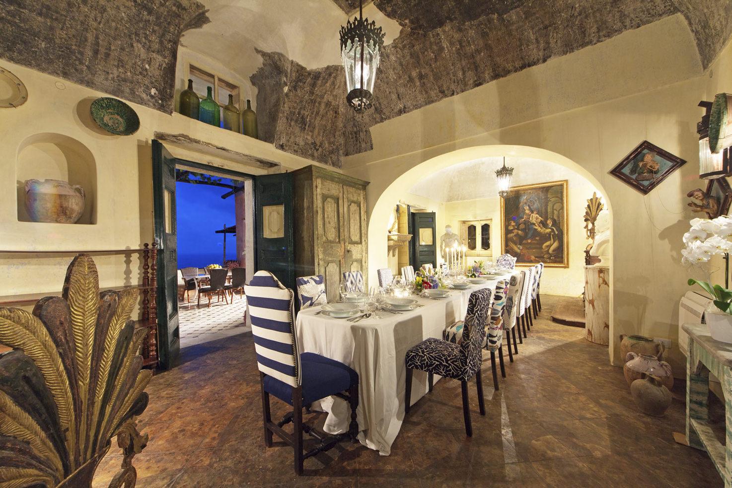 Dining room in Positano private villa