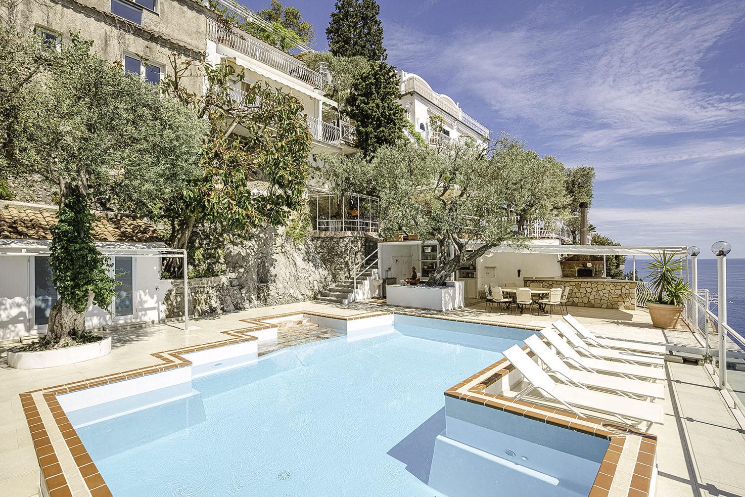 Pool at Villa Oliviero