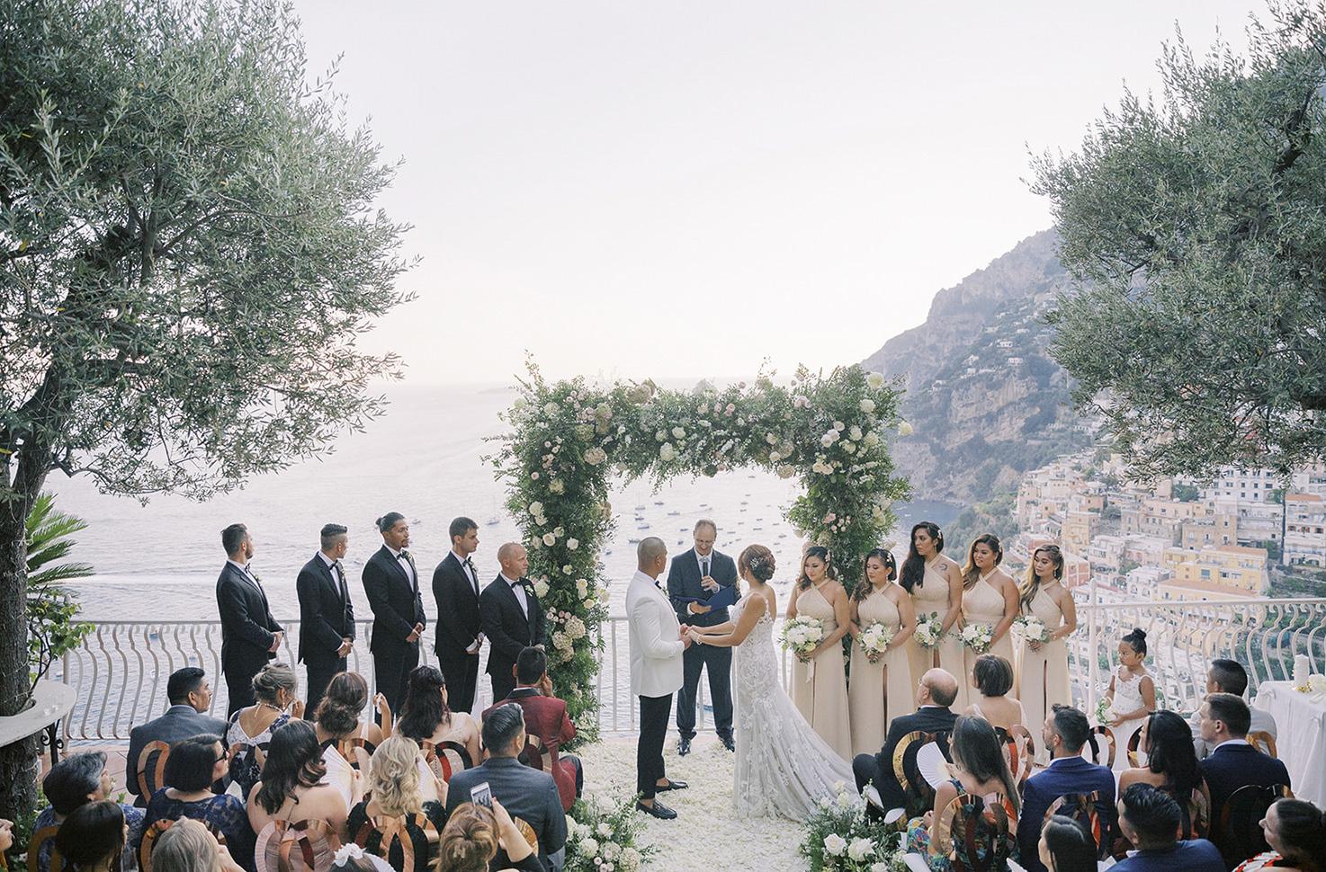 Symbolic wedding at Villa Oliviero