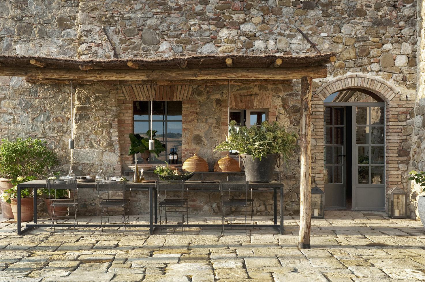 Façade of the villa