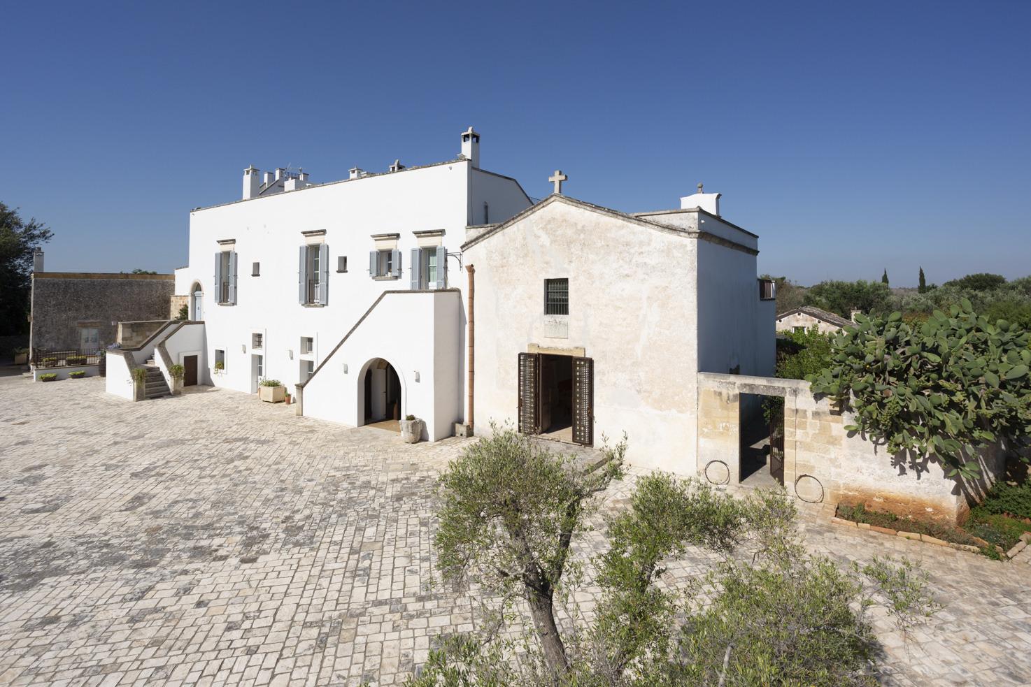 Masseria Borgo Mortella for weddings in Puglia