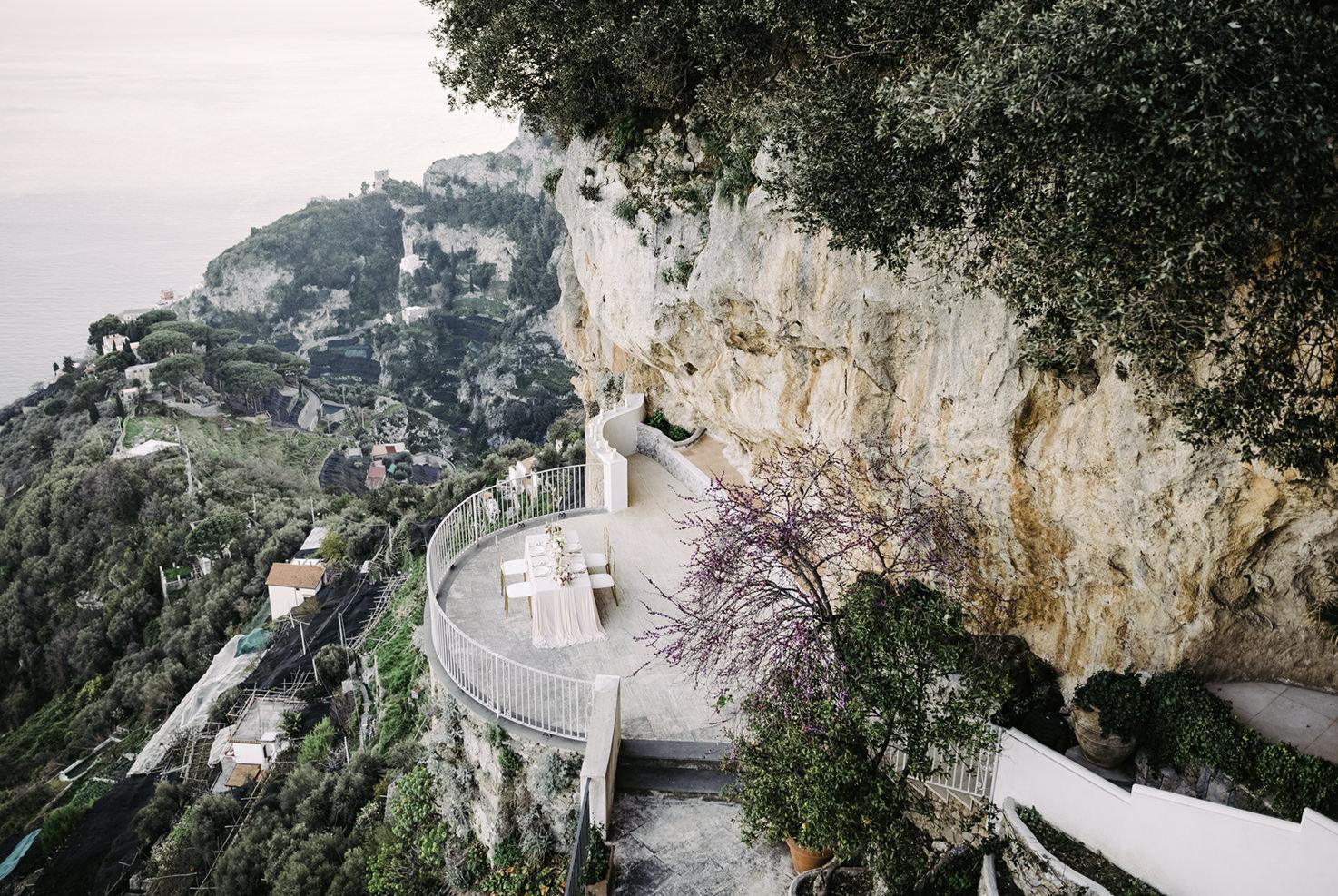 Terrace for wedding ceremonies at Villa La Rondinaia