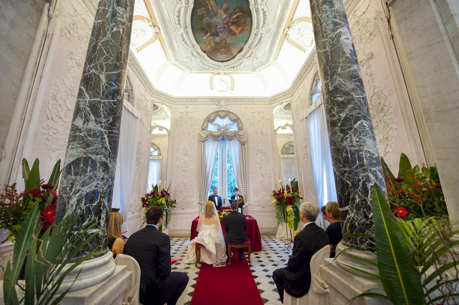 Symbolic wedding in Rome at Palazzo Brancaccio
