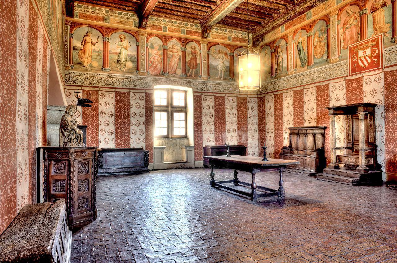Frescoed hall of Castello Odescalchi