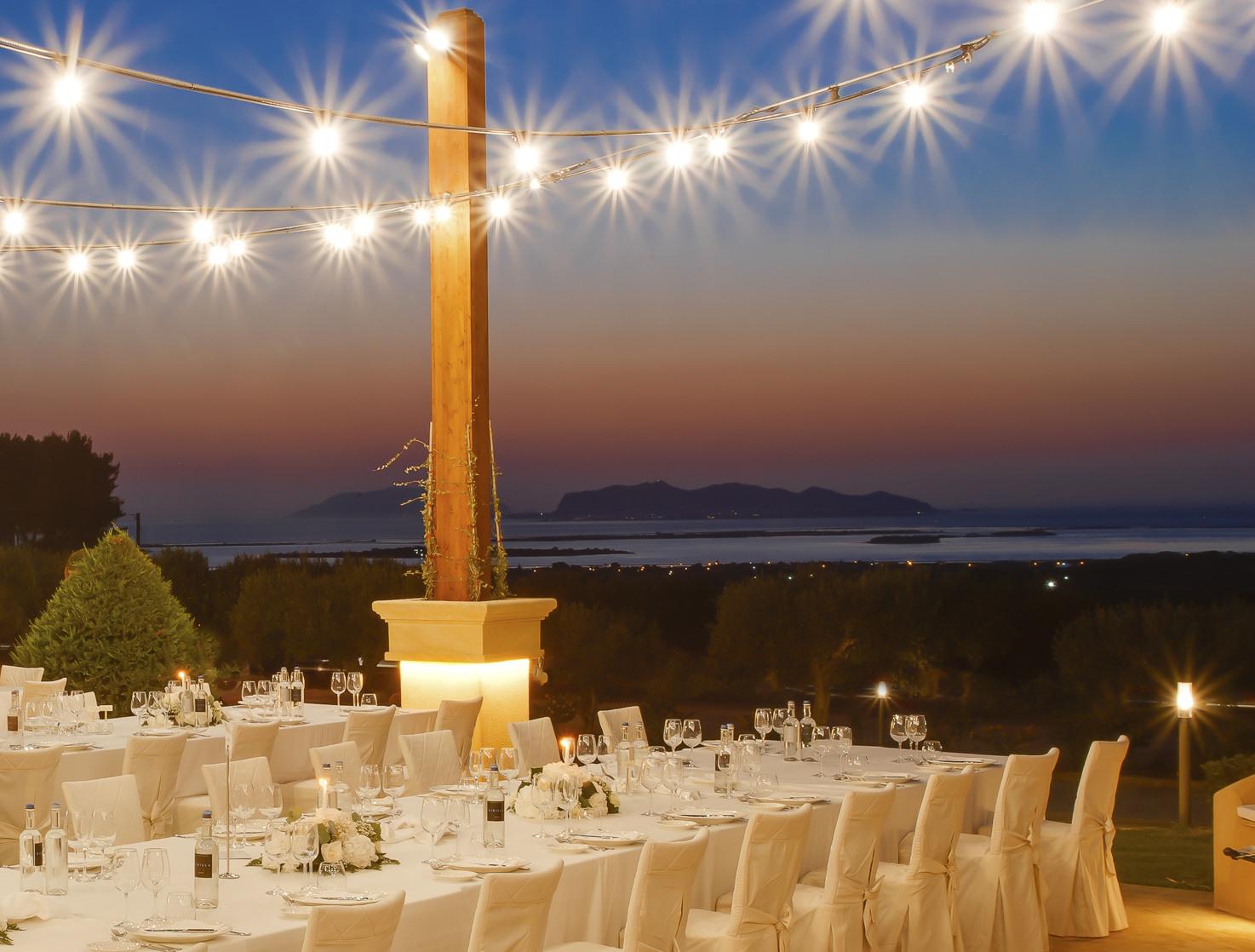 Wedding banquet in the gardens of Baglio Oneto