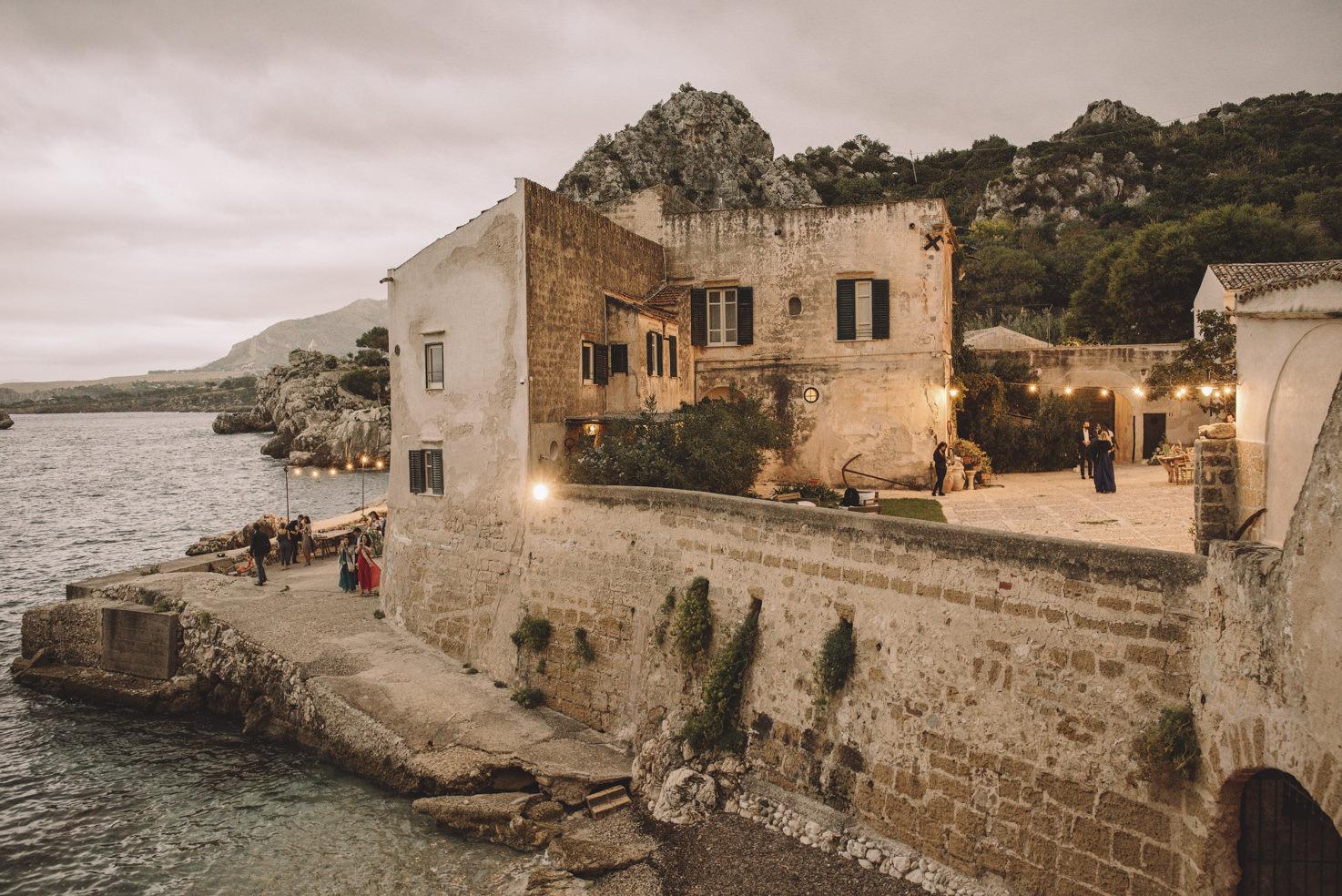 Courtyard facing the sea