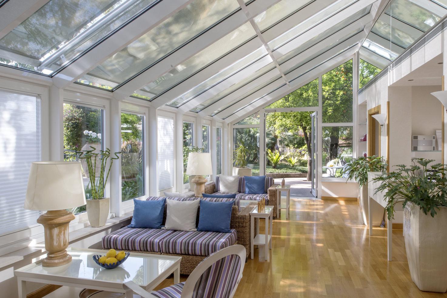 Greenhouse lounge