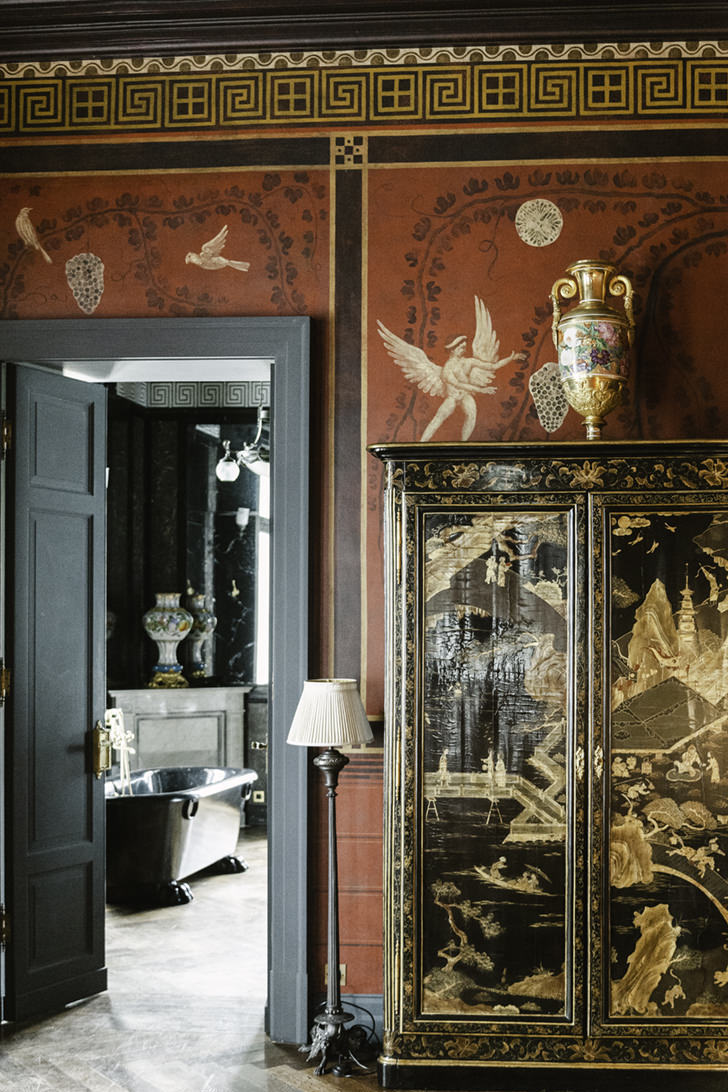 Detail of the suite