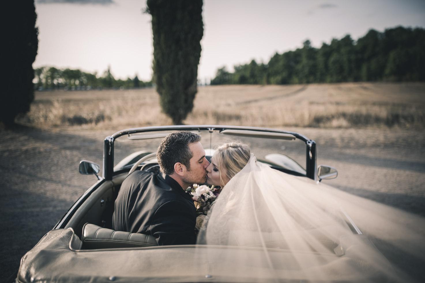 Bridal couple in Tuscany
