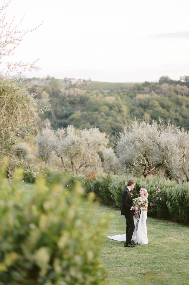 Newlyweds in the gardens