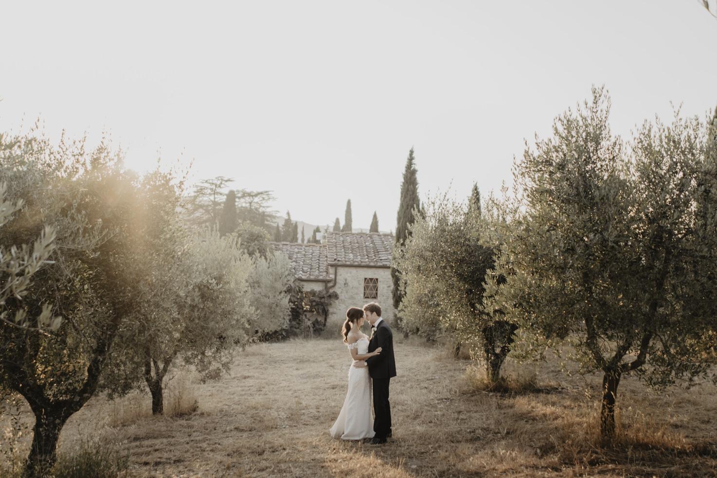 Newlyweds at Castello di Meleto