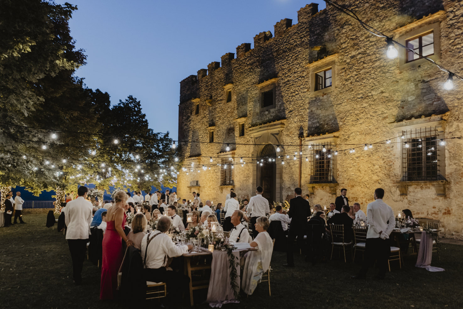 Wedding banquet by night