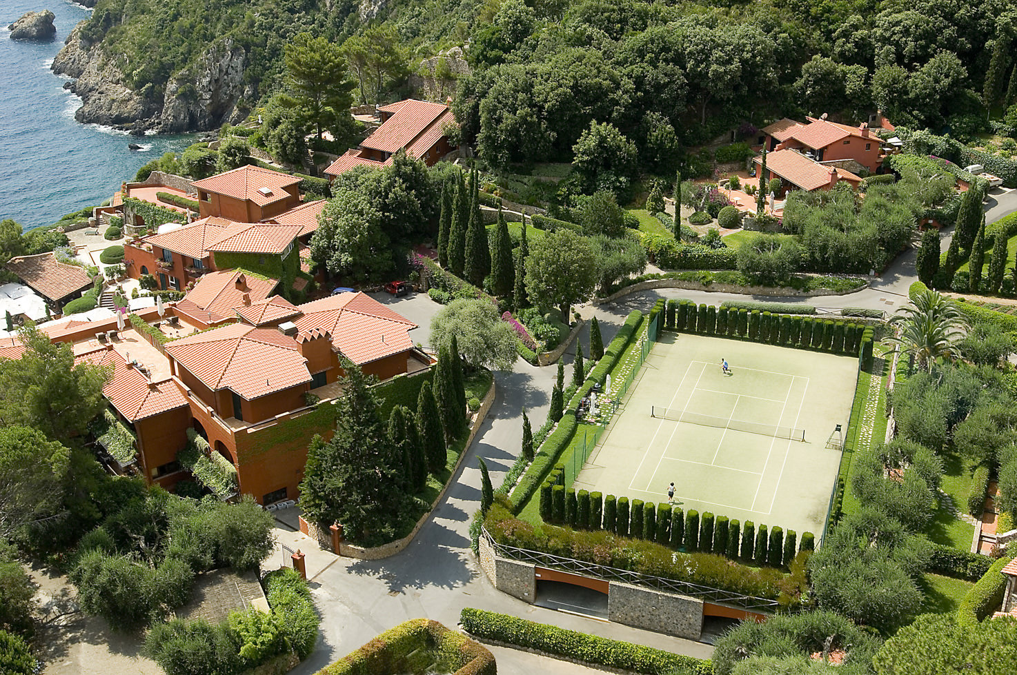 Il Pellicano tennis court
